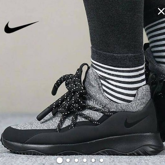 Nike Shoes   Nwt City Loop Black Wmns